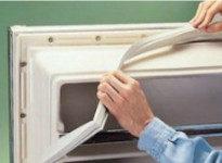 замена уплотнителя на холодильнике